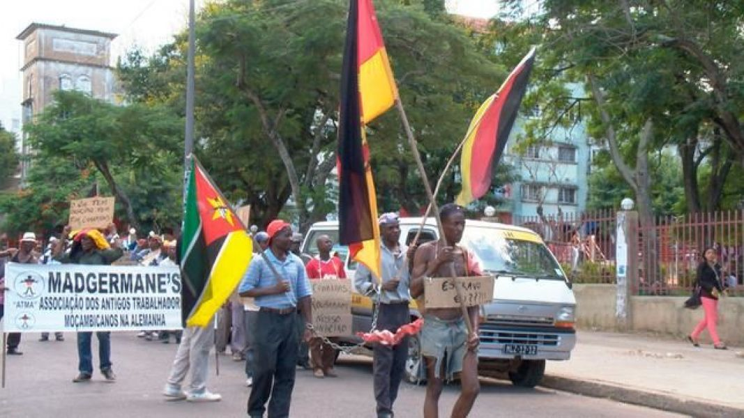 Madgermanes demonstreren in Maputo